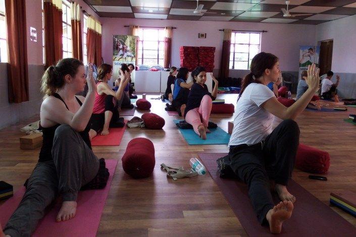 siddhi yoga teacher training india experience