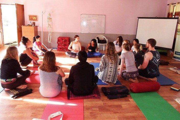 siddhi yoga teacher training vinyasa flow india