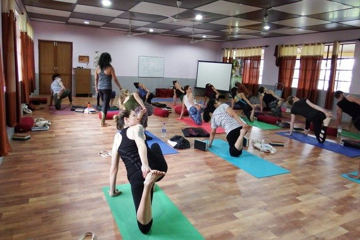good yoga teacher training india