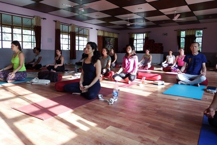 200 hr yoga teacher training india