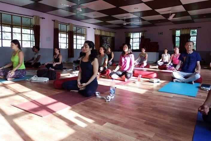 200 hr yoga teacher training india