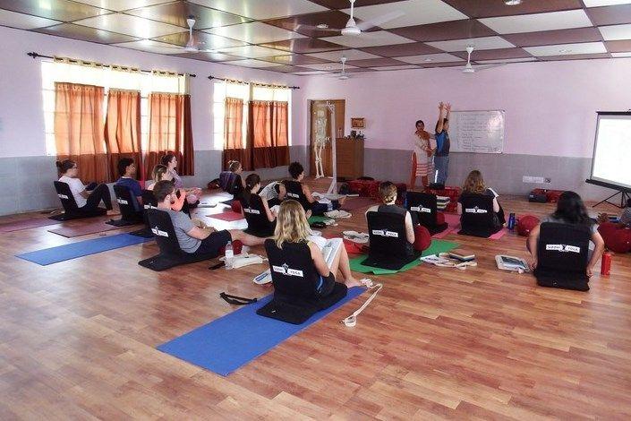 siddhi yoga teacher training in india
