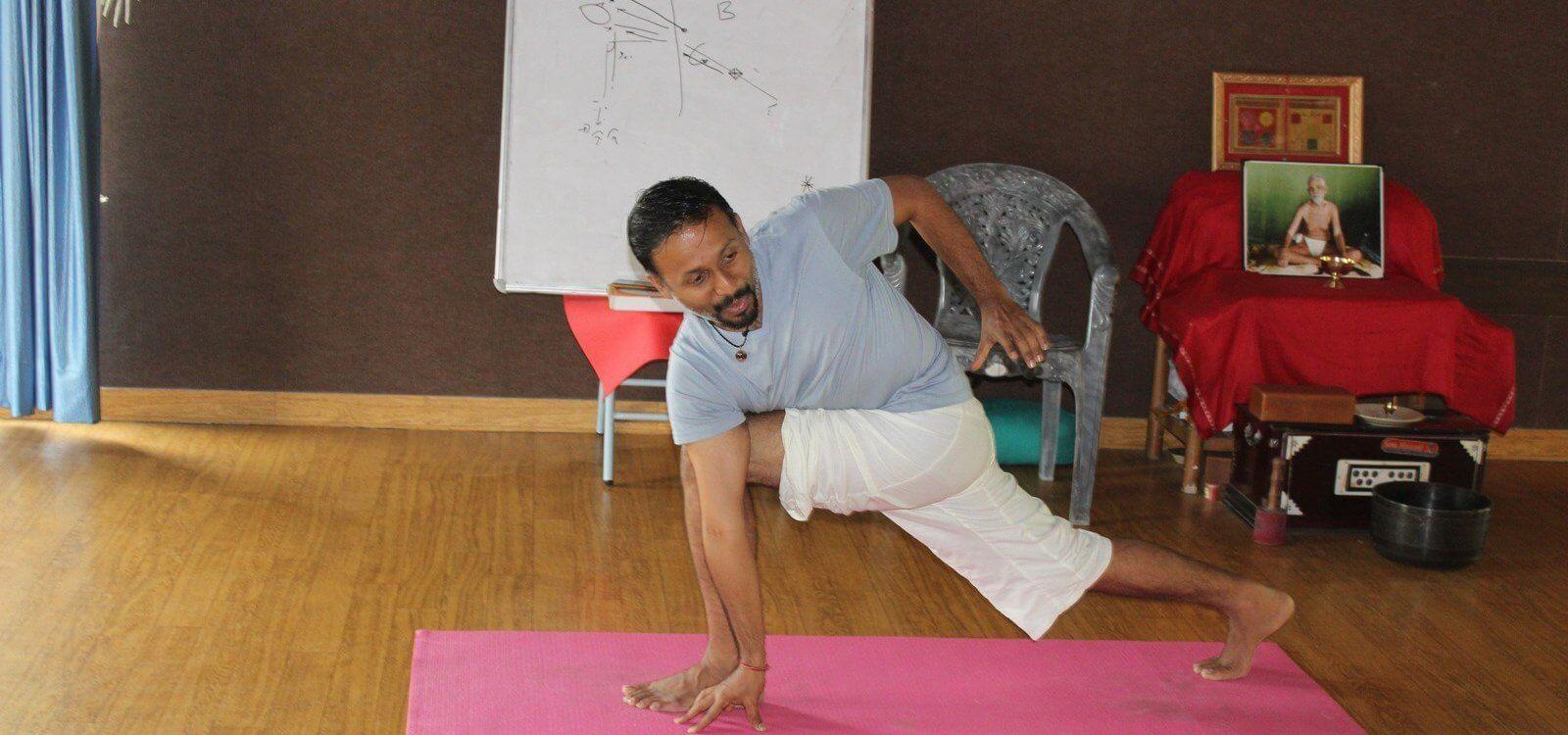 indian yogi parveen nair