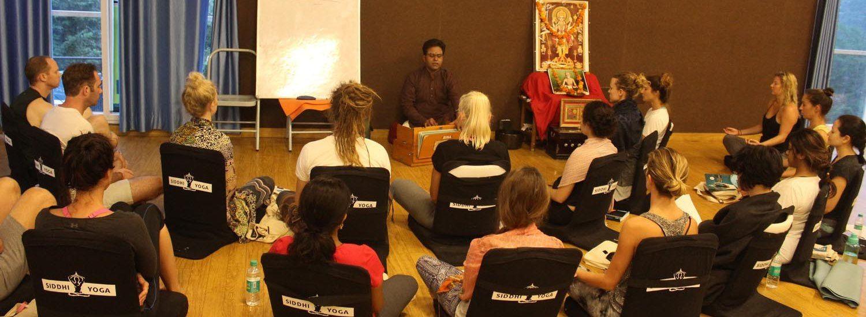 meditation chanting rishikesh
