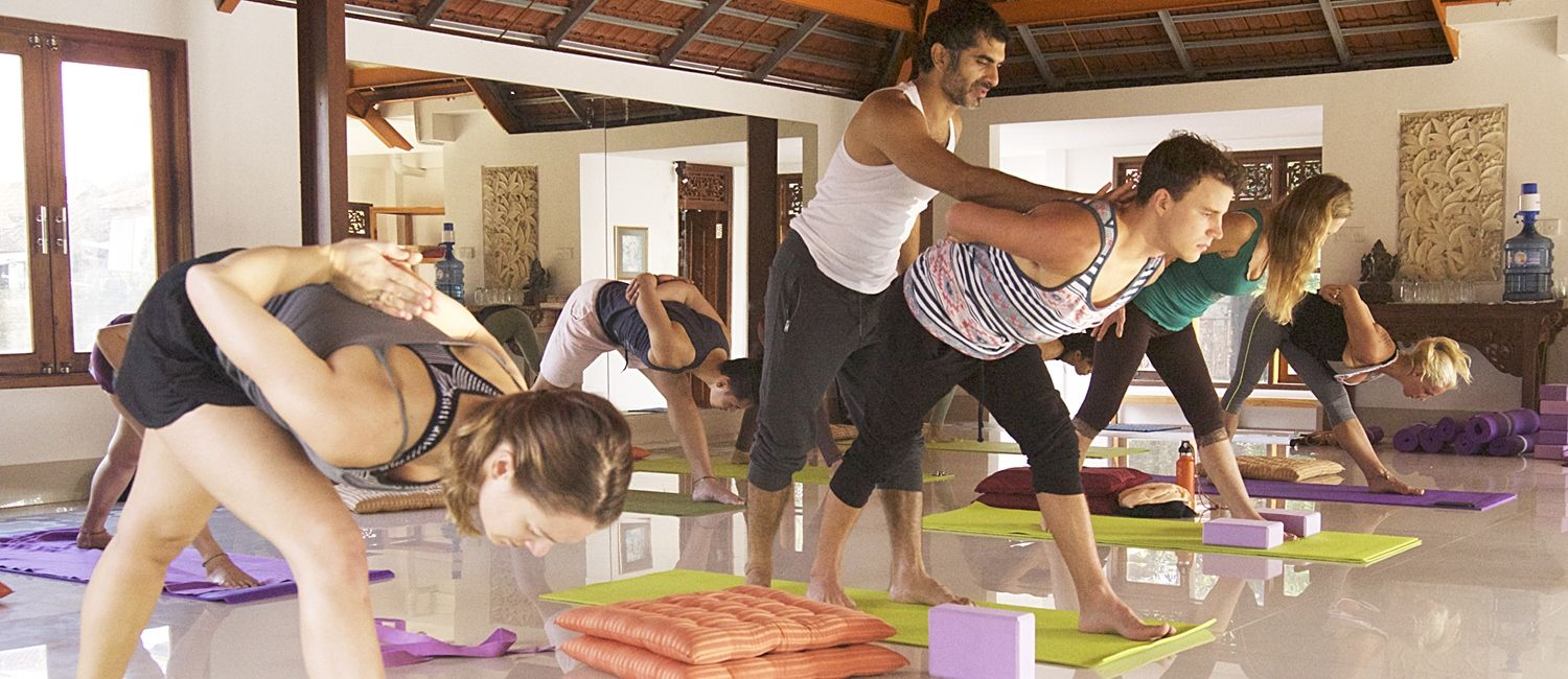 300 hour yoga teacher training qualification