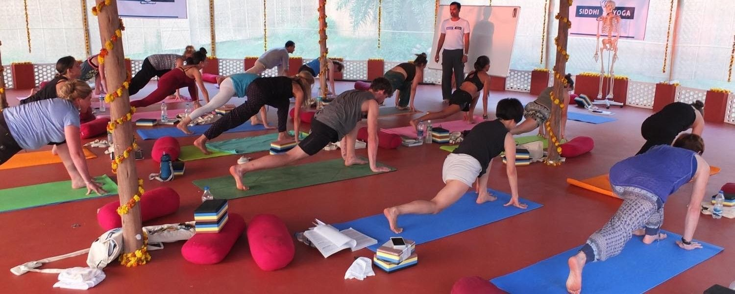 yoga instroctor training goa