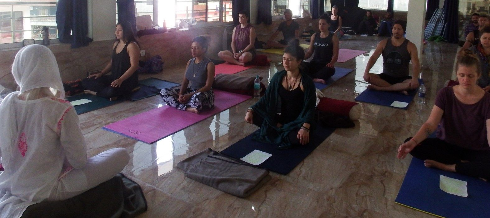 200 hr vinyasa yoga teacher training rishikesh