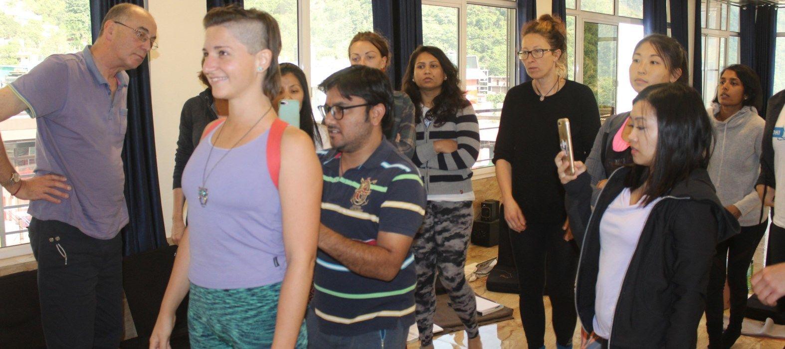 200 hr yoga therapy class rishikesh