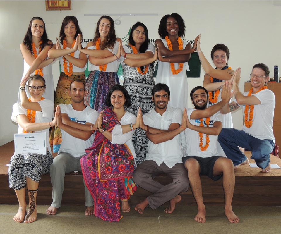 500 hour yoga teacher training in dharamsala