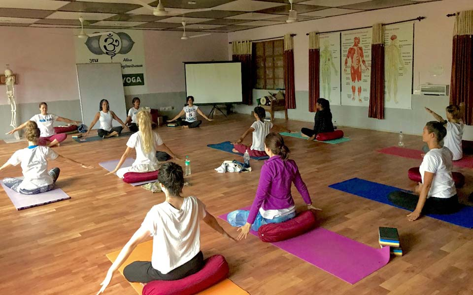 advanced vinyasa yoga teacher training