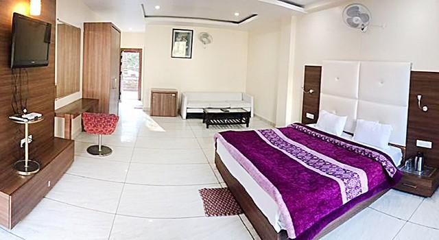 dharamsala india yoga vinyasa hatha retreat