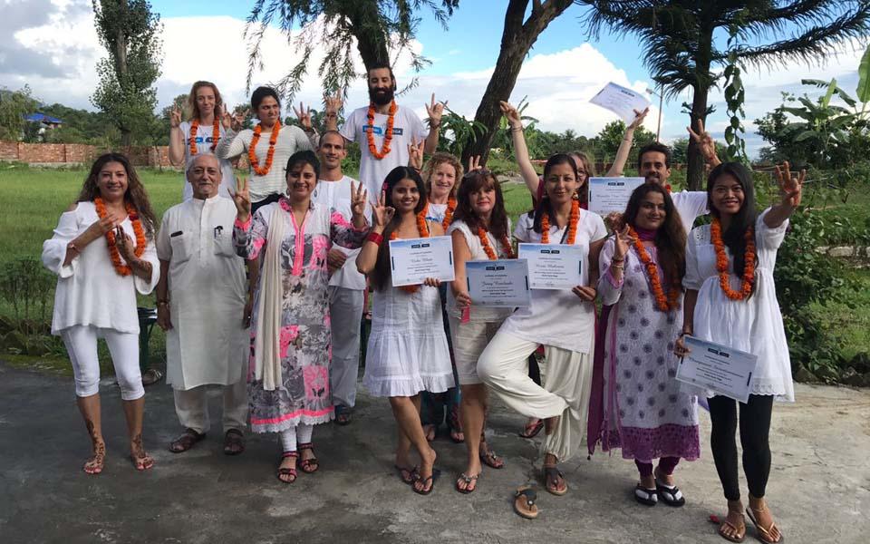 dharamshala yoga treinamento de professores 2019