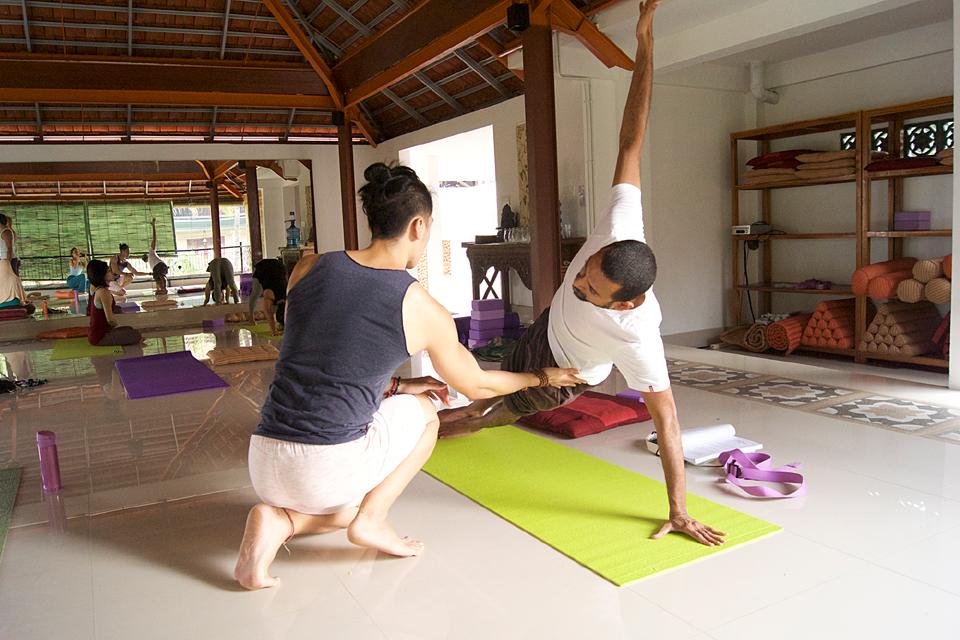 300 hr yoga teacher training intensive indonesia 2019