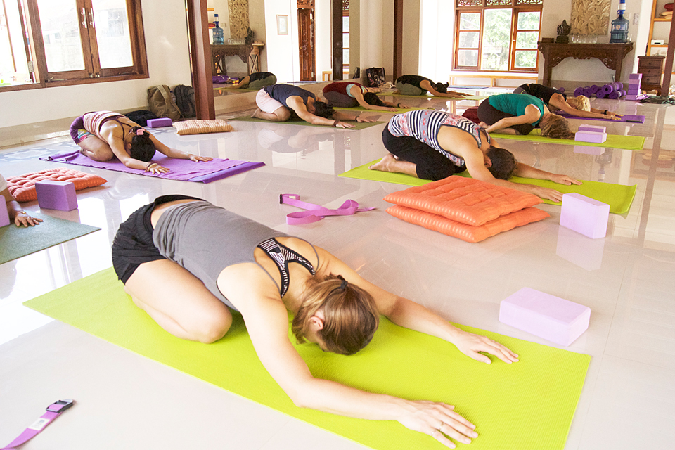 300 hr yoga teacher training intensive indonesia
