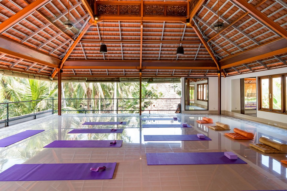 300 hr yoga teacher training intensive ubud indonesia