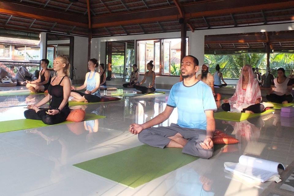 siddhi yoga 300 hour yoga teacher training ubud bali