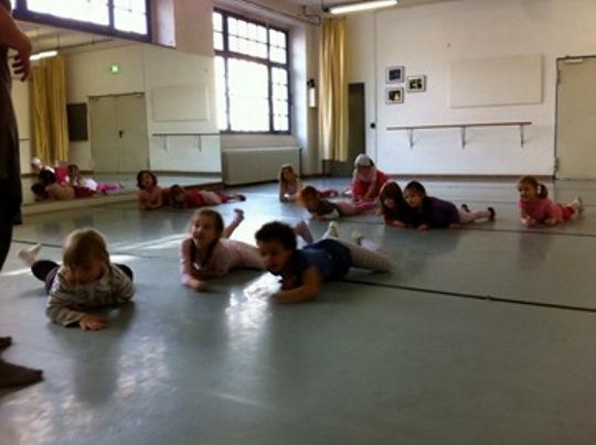 the best yoga teacher training in sydney