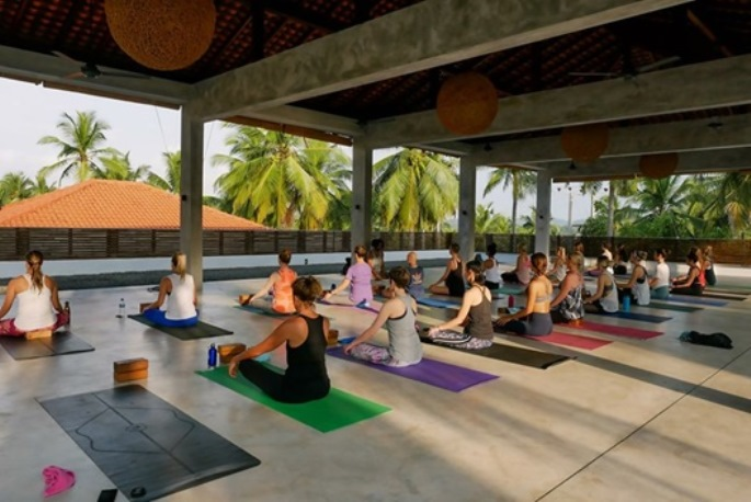 the best yoga teacher training in vancouver