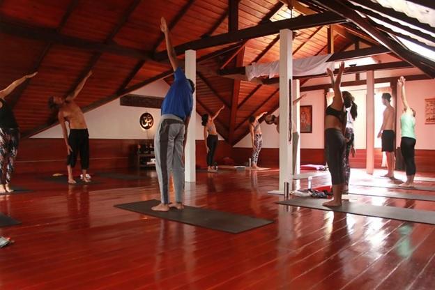 the top yoga teacher trainings in thailand