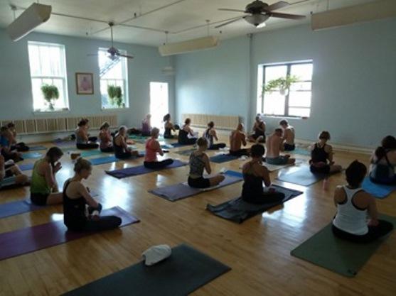 yoga teacher training schools in chicago