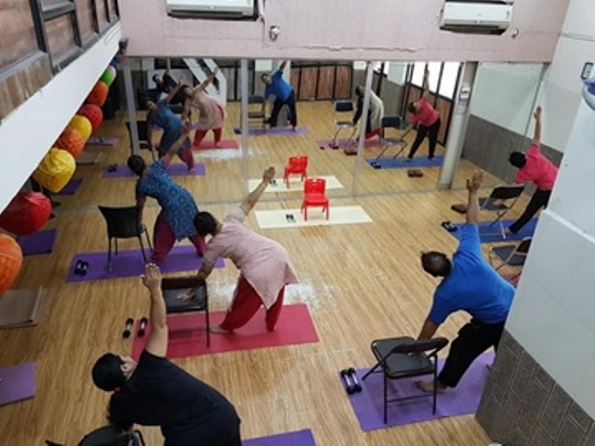 yoga teacher trainings in france