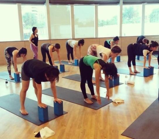 top yoga teacher trainings in bangkok