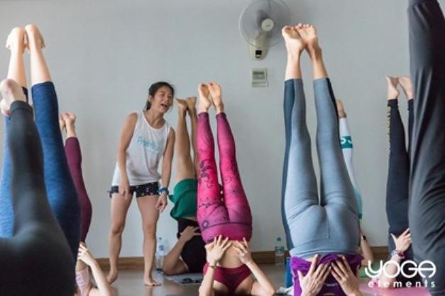 top yoga teacher training programs in bangkok