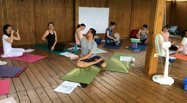 top yoga teacher trainings in singapore