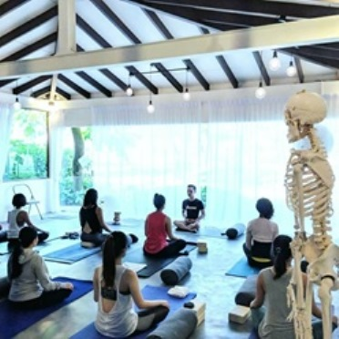 top yoga teacher training programs in singapore