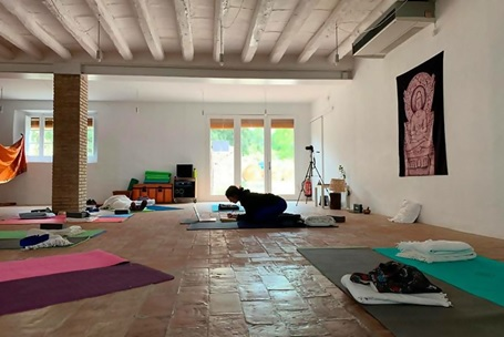 best 200-hour yoga teacher training in Spain