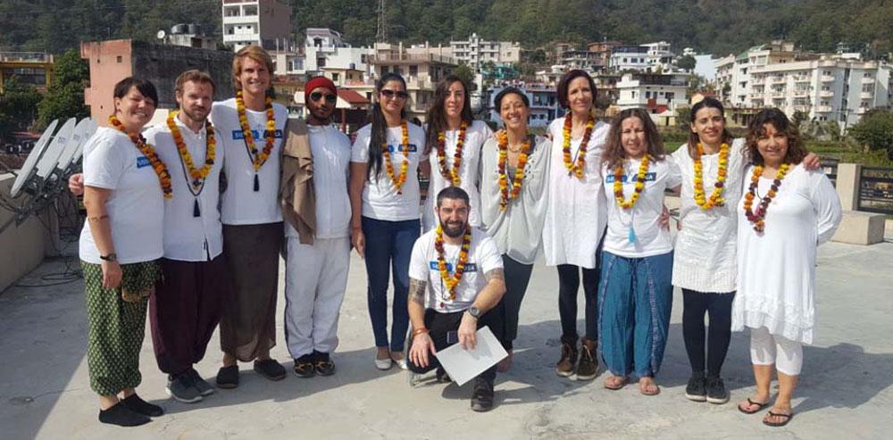 yoga teacher course rishikesh india
