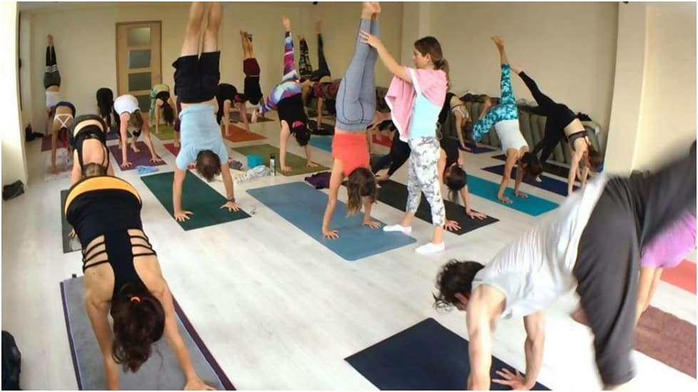yoga teacher training in indonesia