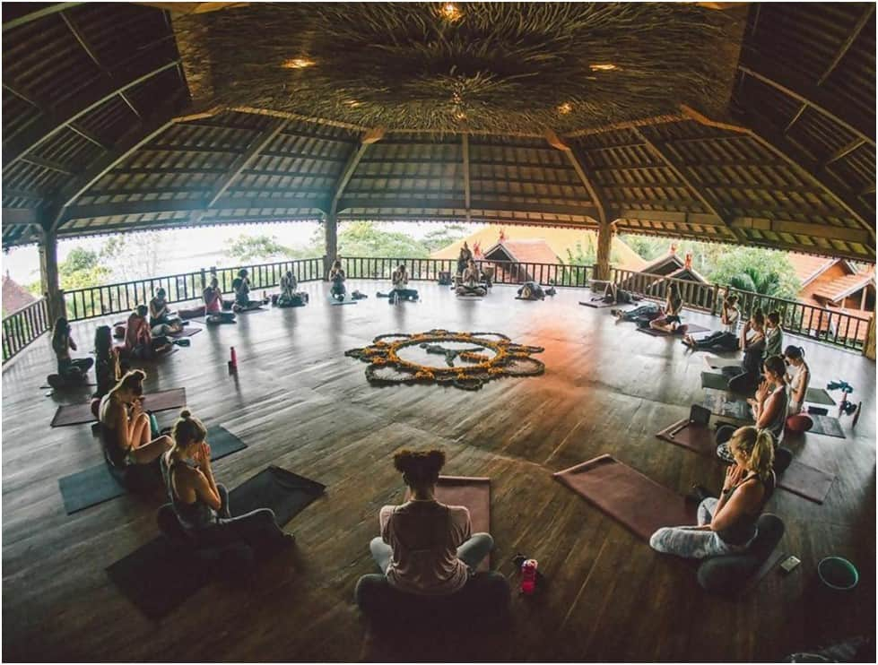 yoga training program in indonesia