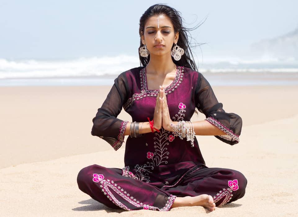 200 hour yoga teacher training programs