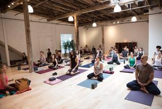 best-yoga teacher training programs in brooklyn