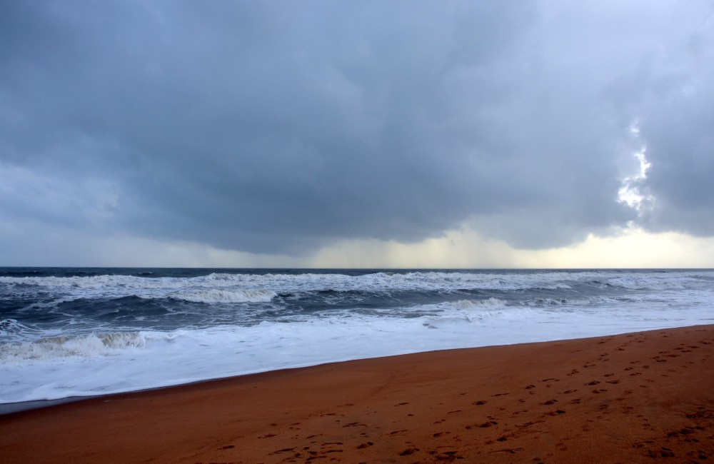 candolim beach north goa