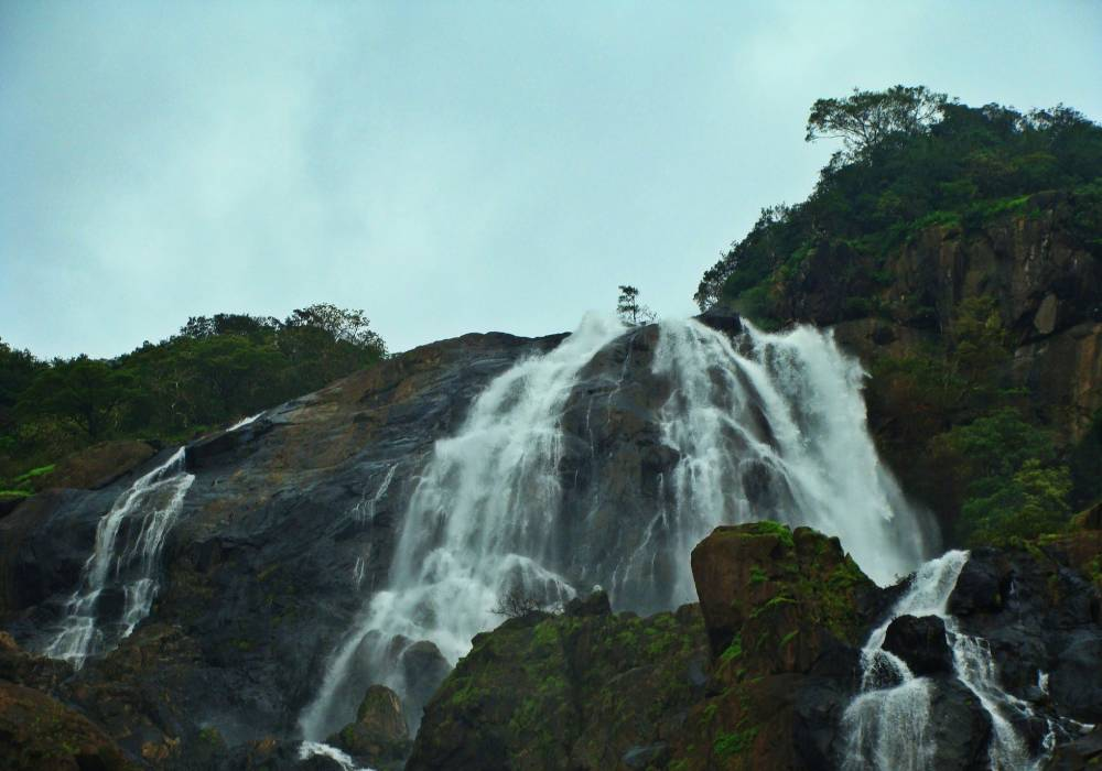 dudhsagar waterfalls south goa