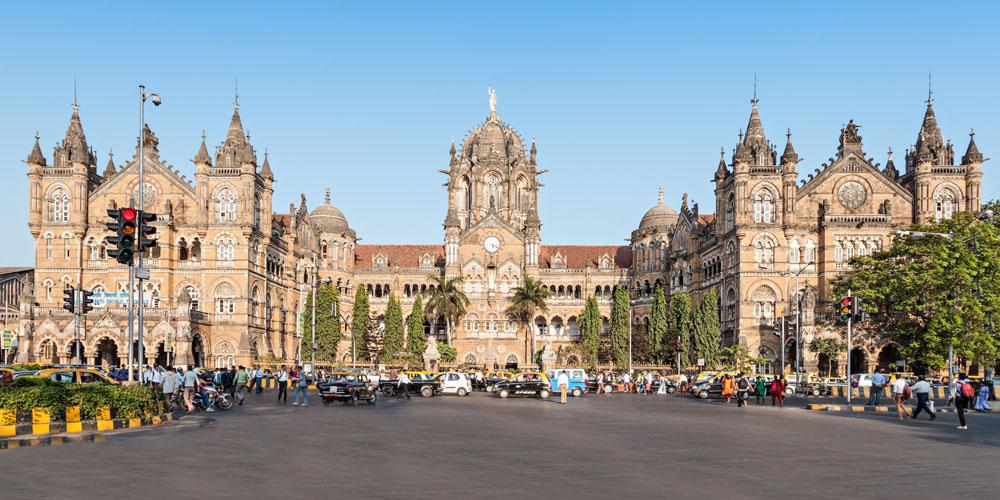 mumbai goa train cst