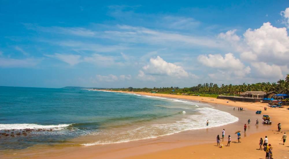 sinquerim beach north goa