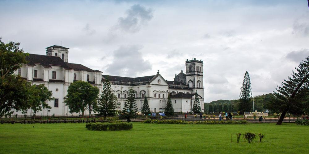 tourist places in goa