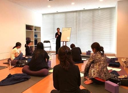 yoga teacher training in tokyo