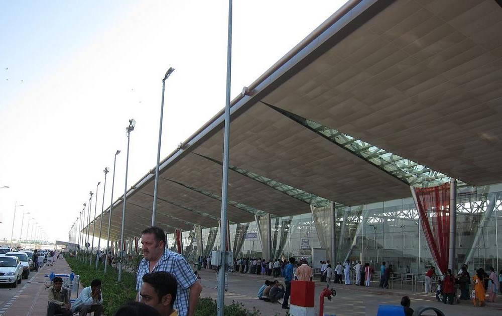how many airports in india sardar vallabhbhai patel international airport