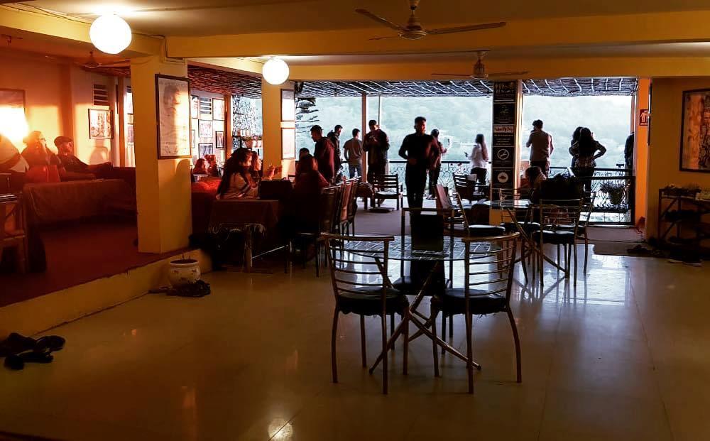 restaurant végétalien rishikesh